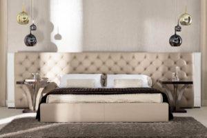 Изголовье кровати с каретной стяжкой